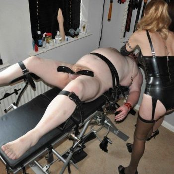 Medical Rubber Fetish Domme